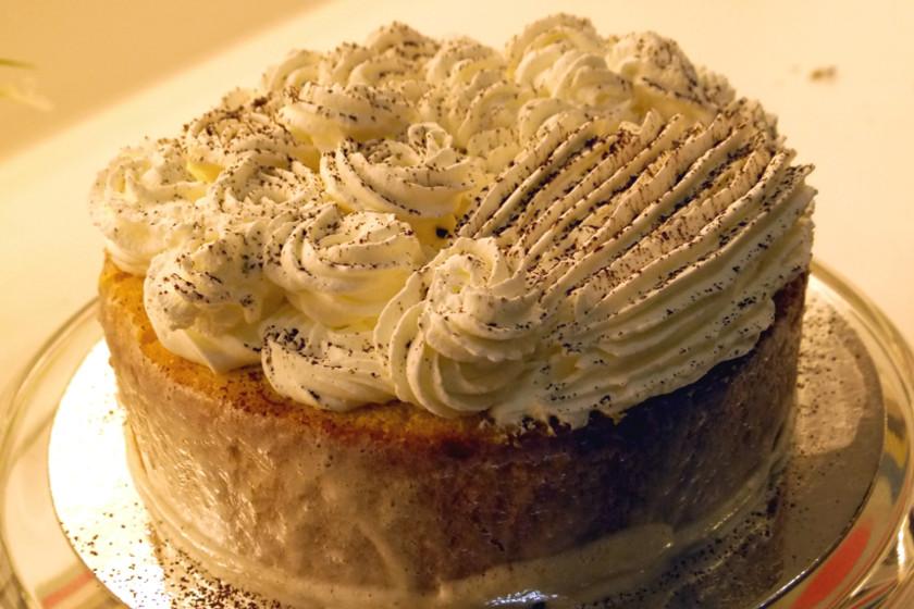 Milky Sponge Cake with Cinnamon Sprinkles