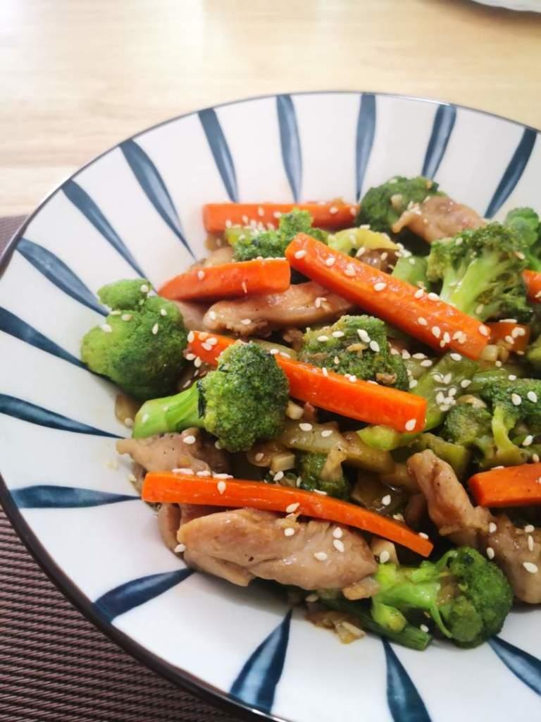 Chicken and Broccoli in Teriyaki Sauce